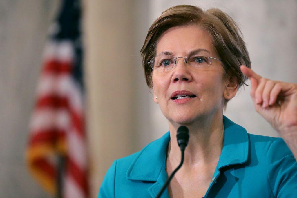 Bà Elizabeth Warren là giáo sư luật