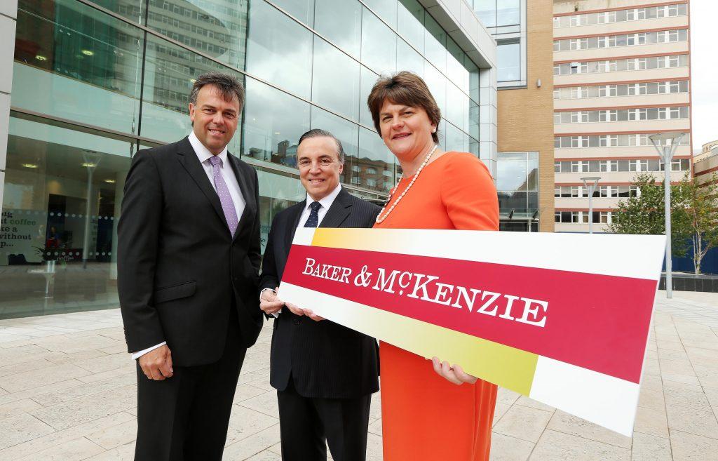 Công ty luật lớn nhất thế giới Baker & McKenzie