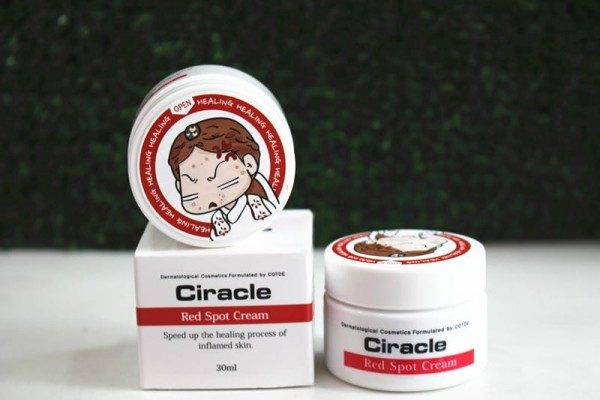 Sản phẩm kem trị mụn của Ciracle
